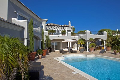 Deluxe 4 Bedroom Detached Villa With Pool 4