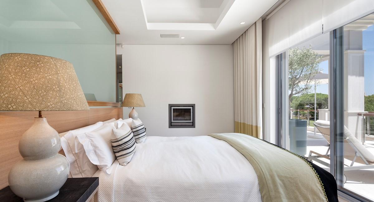 Luxury 5 Bedroom Villa With Tennis Court To Rent In Quinta Do Lago Villa Angelite Regency Luxury Villas MG 0212