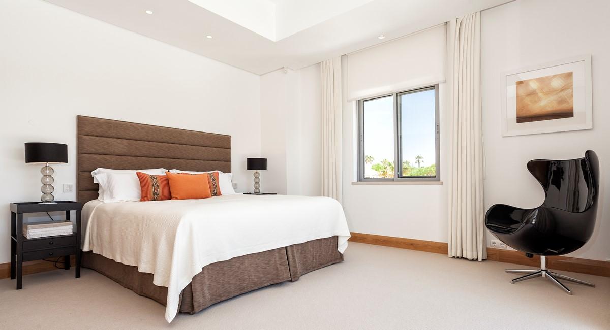 Luxury 5 Bedroom Villa With Tennis Court To Rent In Quinta Do Lago Villa Angelite Regency Luxury Villas MG 0246