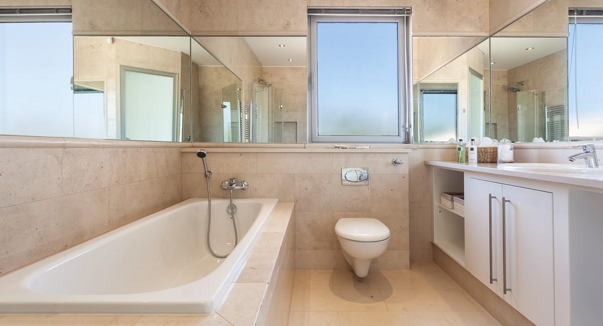 Luxury 5 Bedroom Villa With Tennis Court To Rent In Quinta Do Lago Villa Angelite Regency Luxury Villas MG 0258