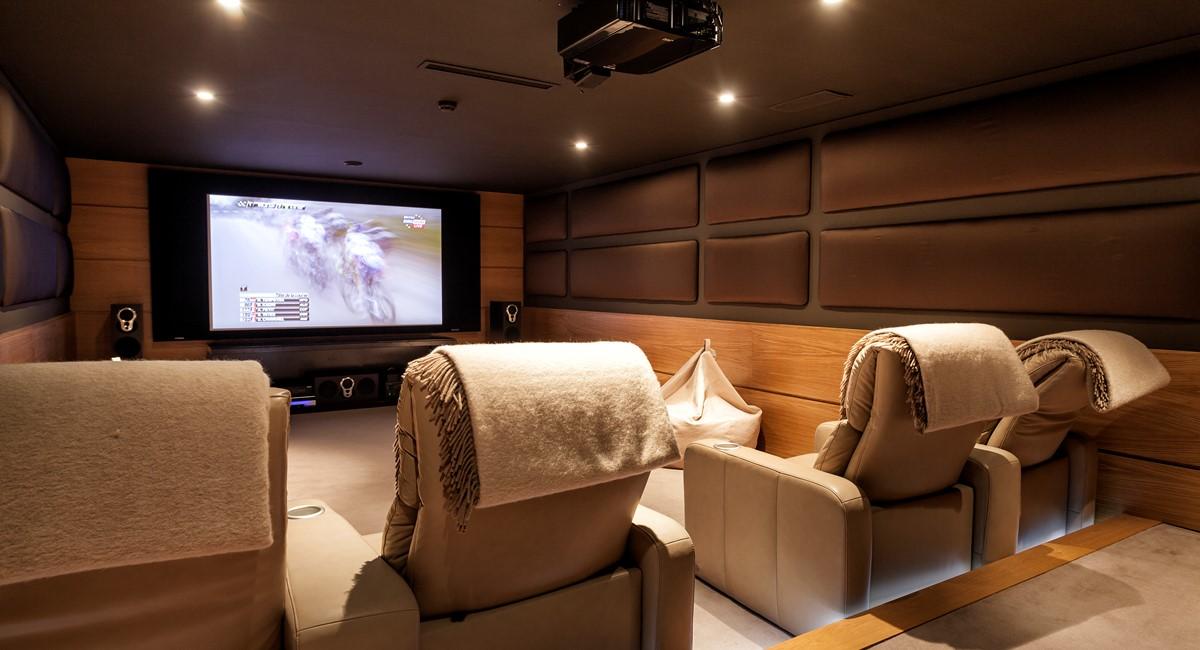 Luxury 5 Bedroom Villa With Tennis Court To Rent In Quinta Do Lago Villa Angelite Regency Luxury Villas MG 0296