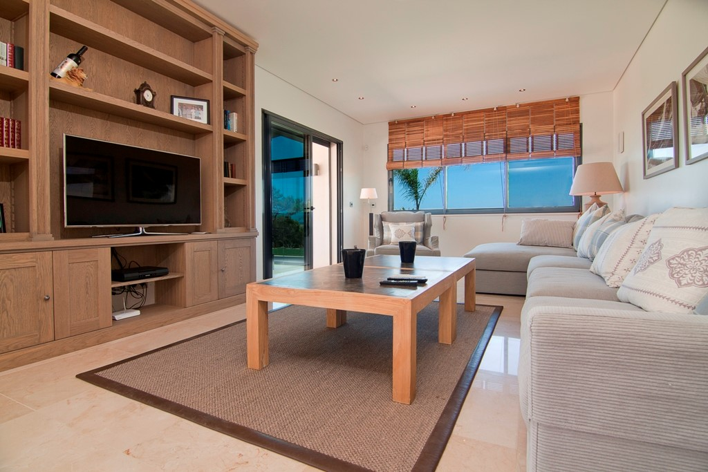 RLV Lounge Area