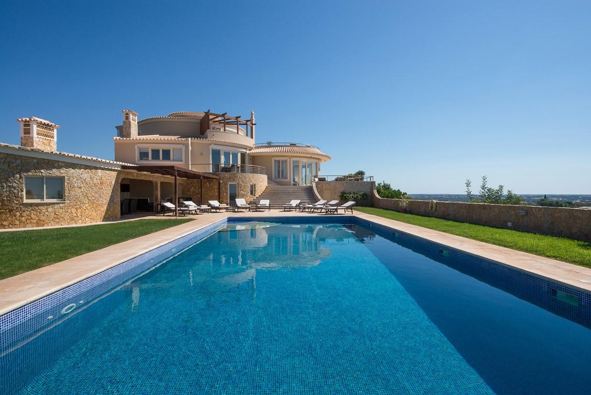 RLV Pool And Villa