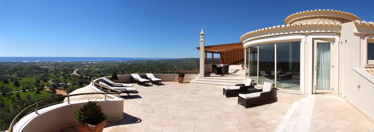 RLV Stunning Country And Sea Views