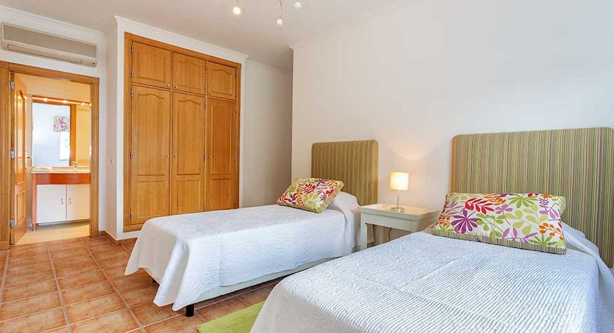 Rlvdouble Bedroom En Suite On Ground Level