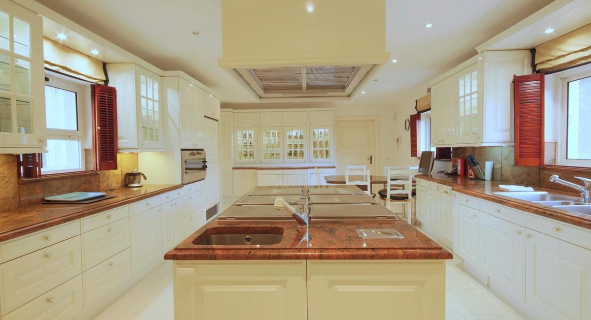 Quinta Do Lago 36 Kitchen1