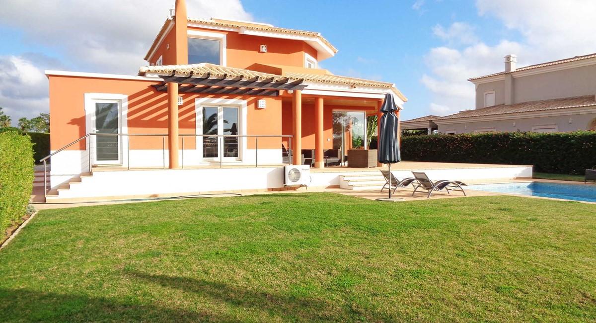 Vila Sol C3 21 Gardens