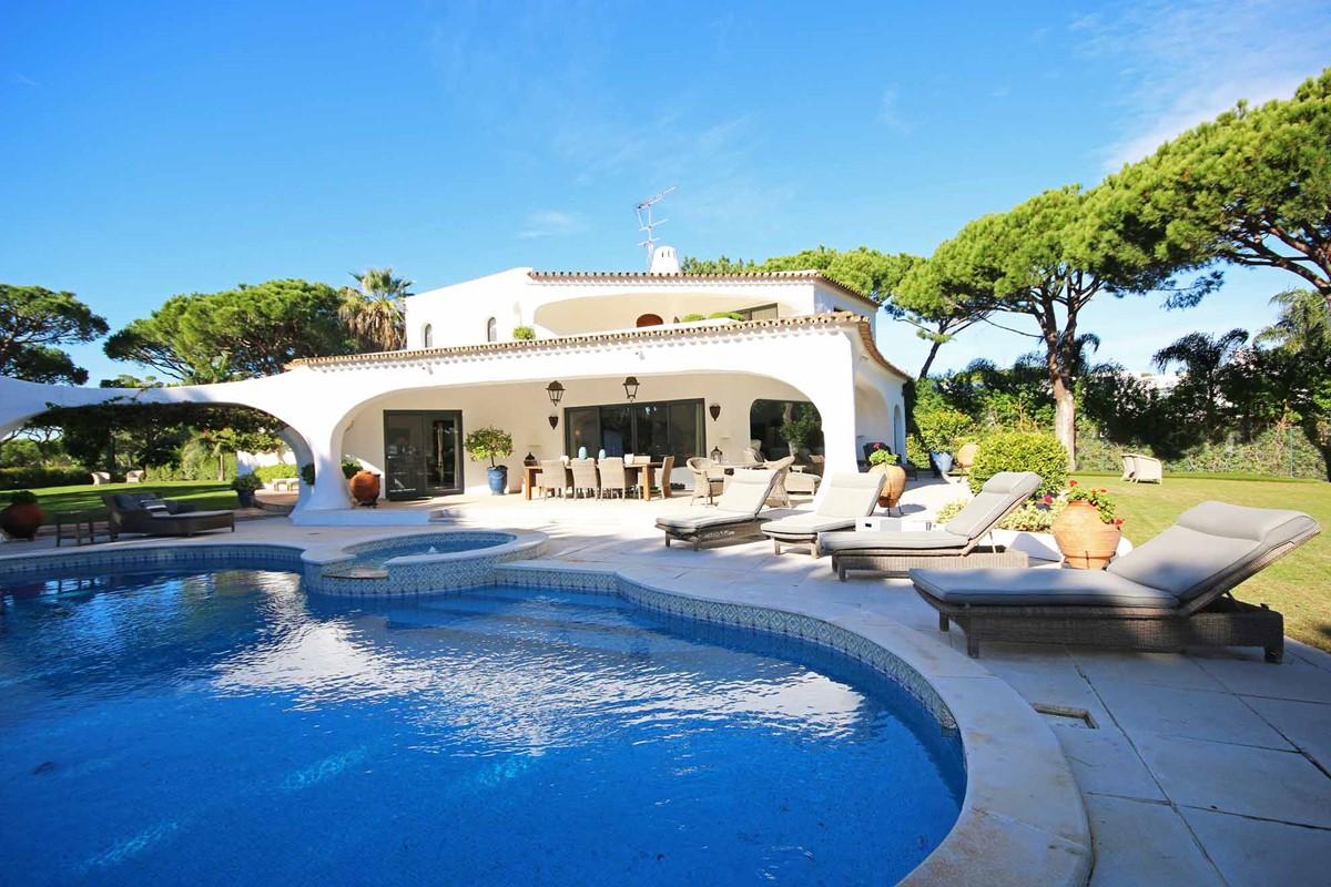 Casa Pupa Pool2