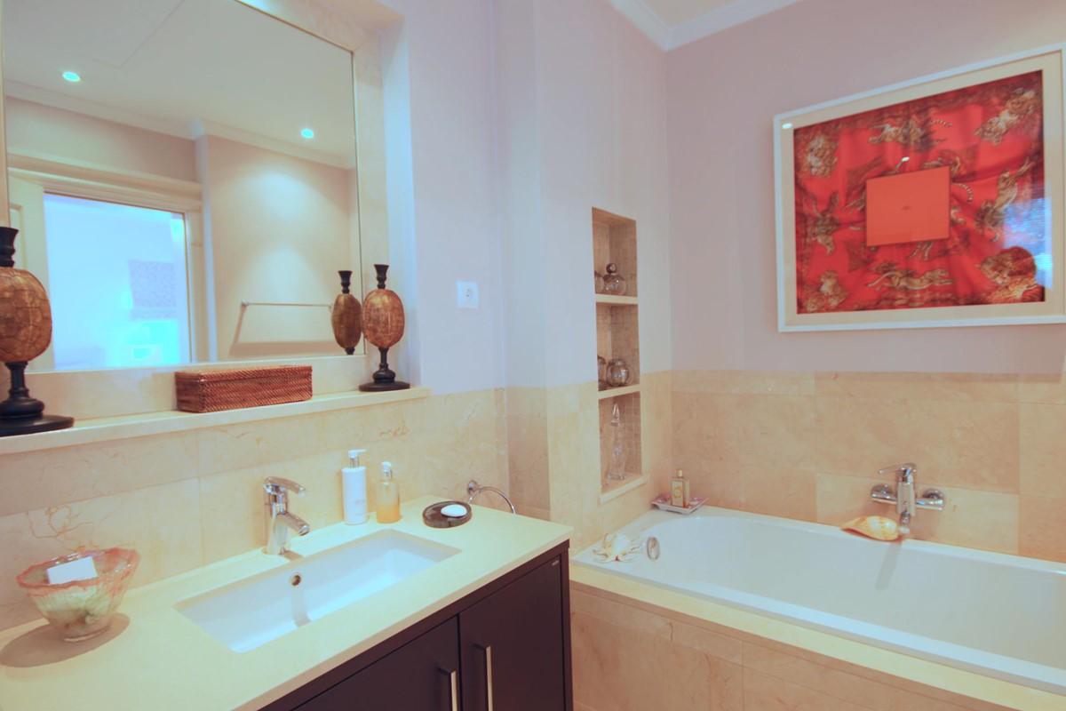 Rua Lira 35 Bathroom1