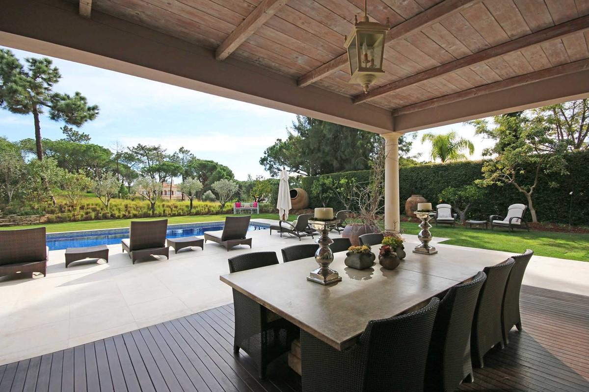 Rua Lira 35 Dining Terrace1