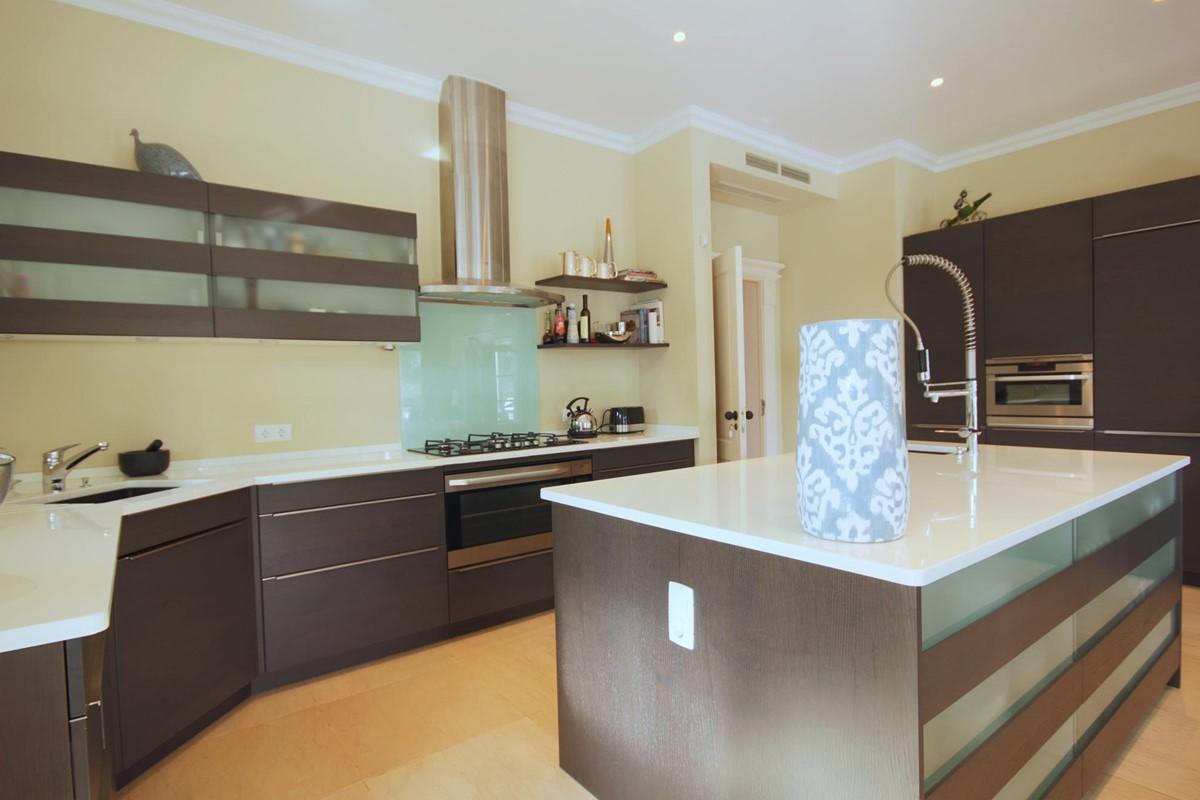Rua Lira 35 Kitchen3
