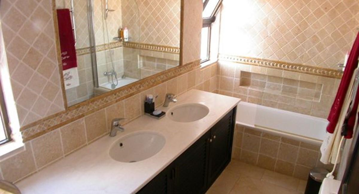 Bath Room 89724