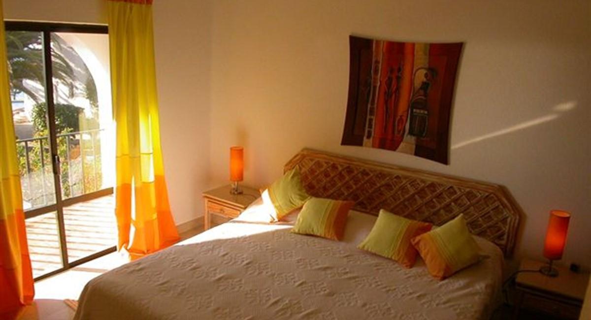 Bedroom 89725