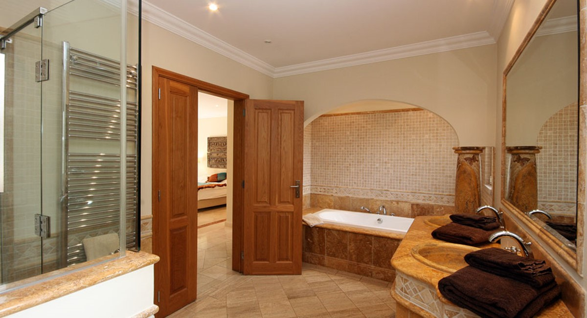 Quinta Do Lago Luxury Villa Master Bathroom
