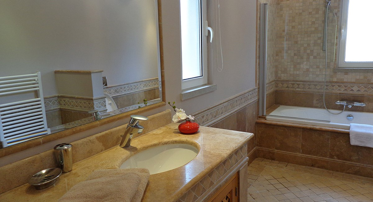Quinta Do Lago Luxury Villa Guest Bedroom Bathroom