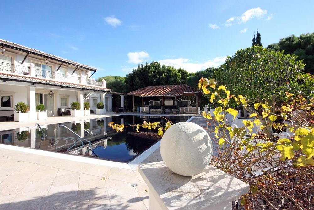 casa_rua_sado_pool_terrace.jpg