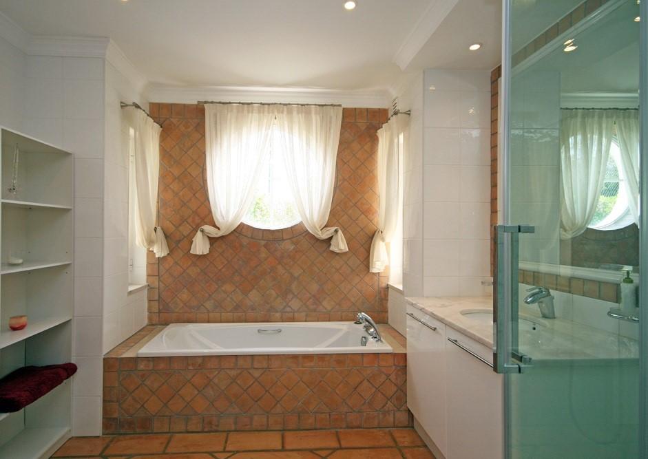 vale_do_lobo_luxury_villa_cottage_bathroom.jpg