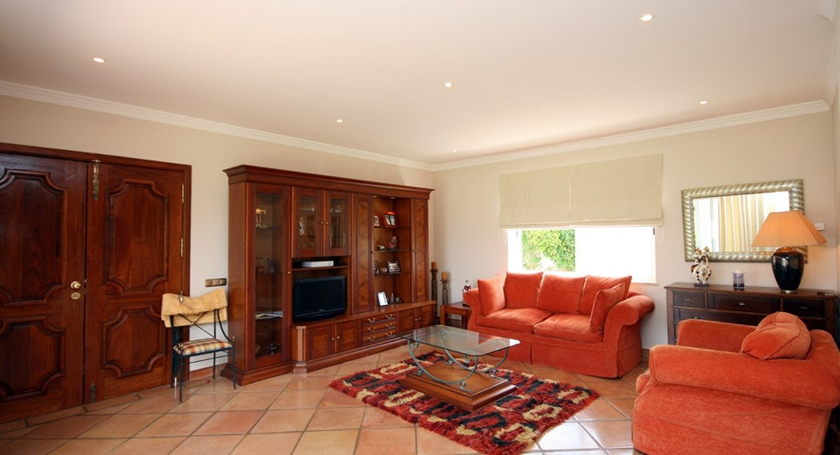 vale_do_lobo_luxury_villa_cottage_lounge.jpg