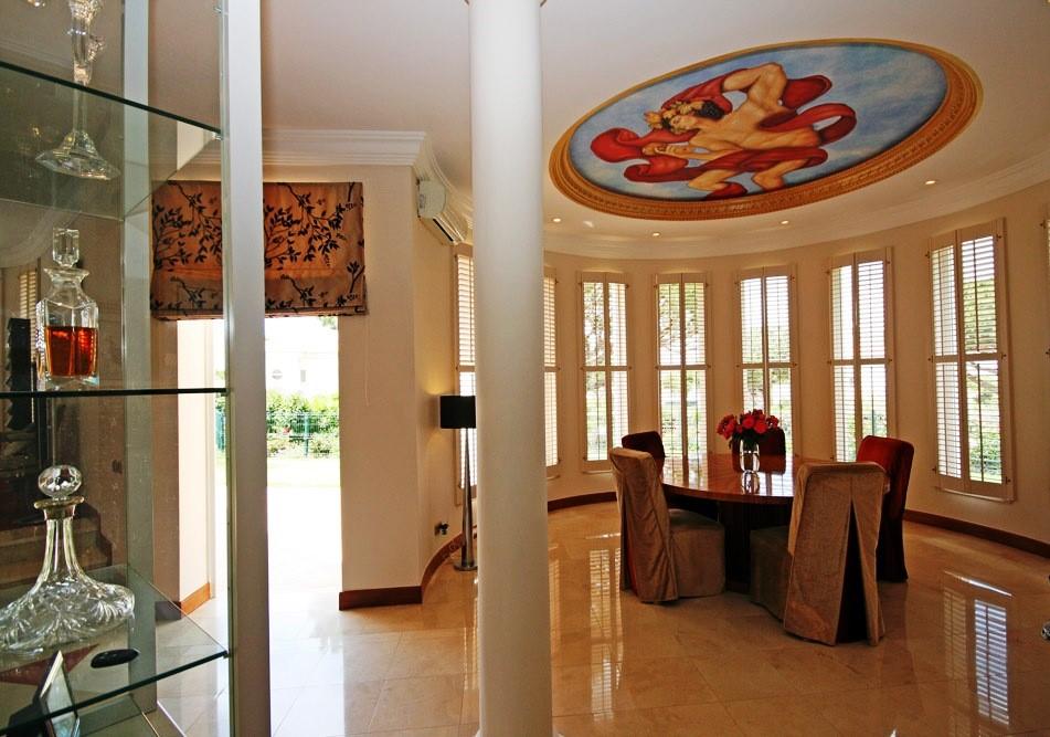 vale_do_lobo_luxury_villa_dining_room.jpg