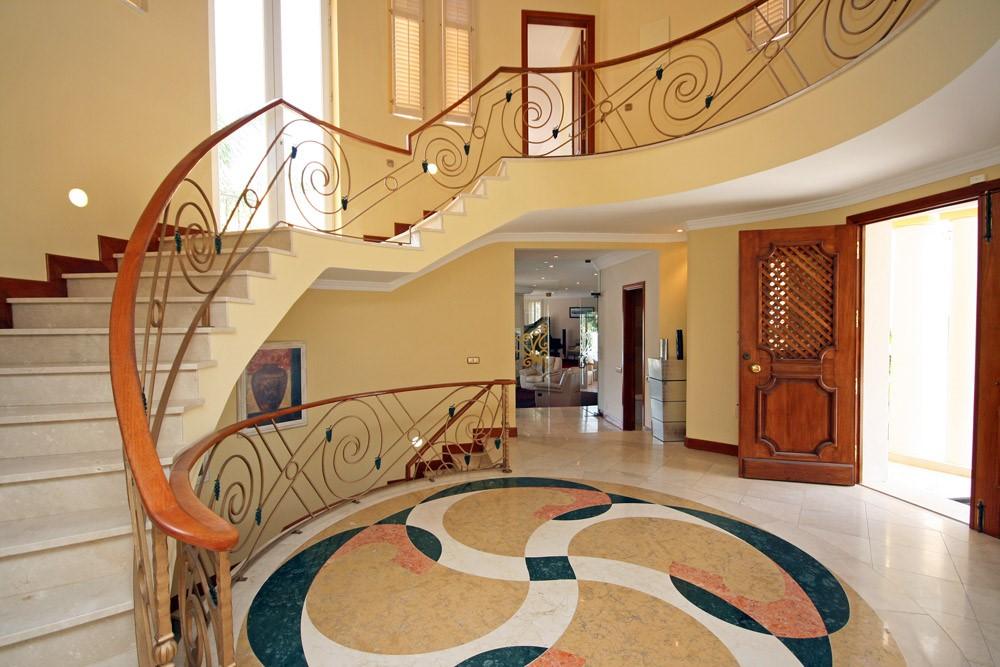 vale_do_lobo_luxury_villa_entrance.jpg