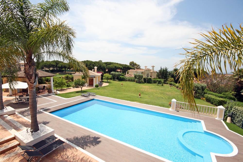 vale_do_lobo_luxury_villa_garden_views.jpg