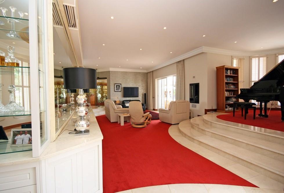 vale_do_lobo_luxury_villa_lounge_views.jpg