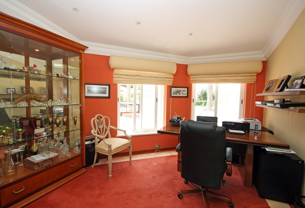 vale_do_lobo_luxury_villa_office.jpg