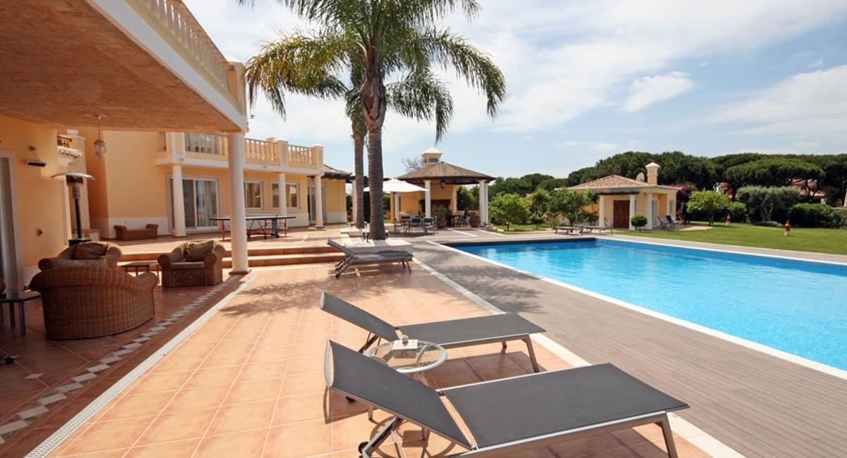 vale_do_lobo_luxury_villa_pool_terrace.jpg