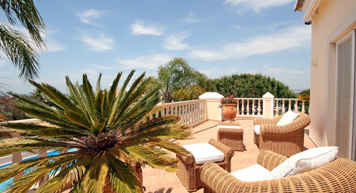 vale_do_lobo_luxury_villa_sun_terrace.jpg