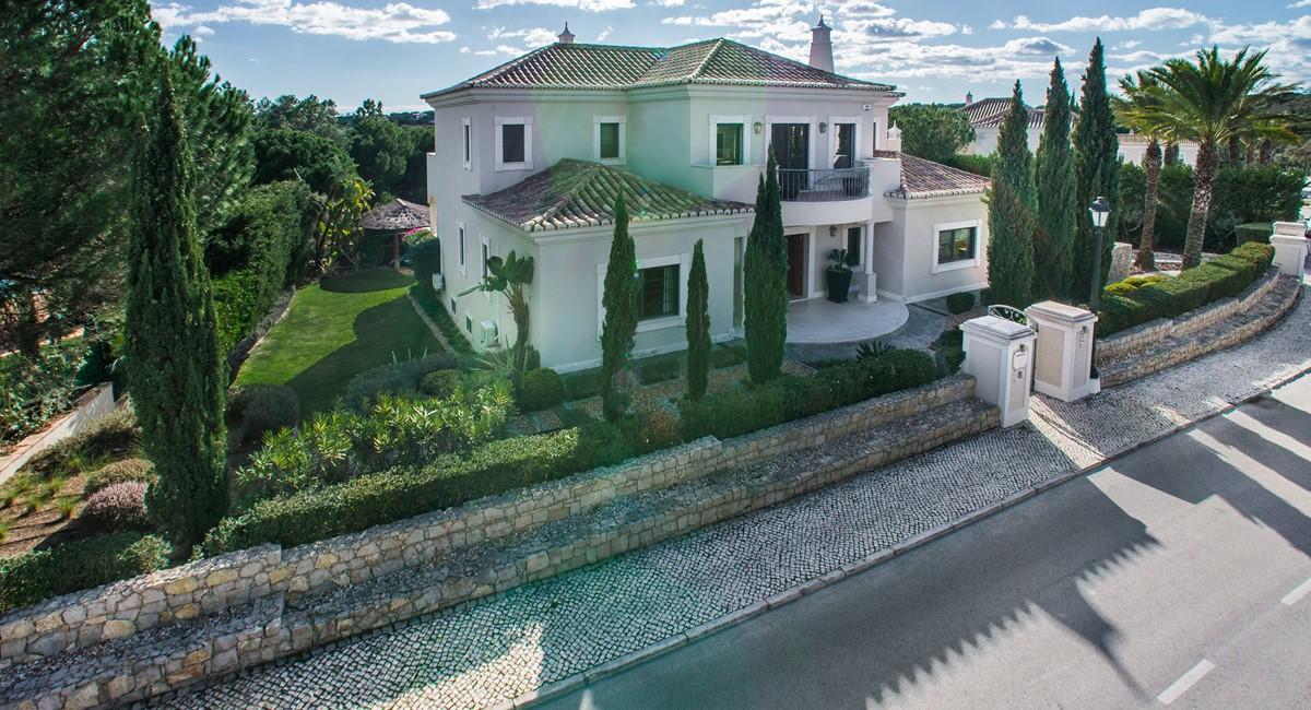 Villa Ironstone 1