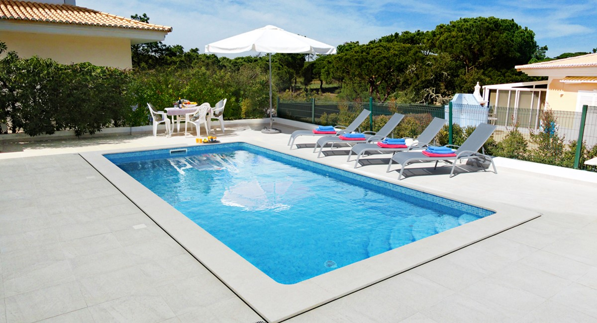 Pool 130537
