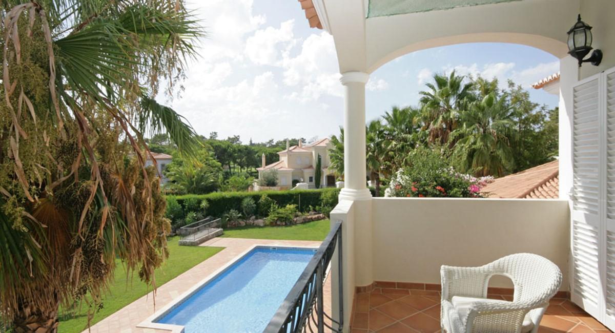 vilasol_luxury_villa_bedroom_terrace.jpg
