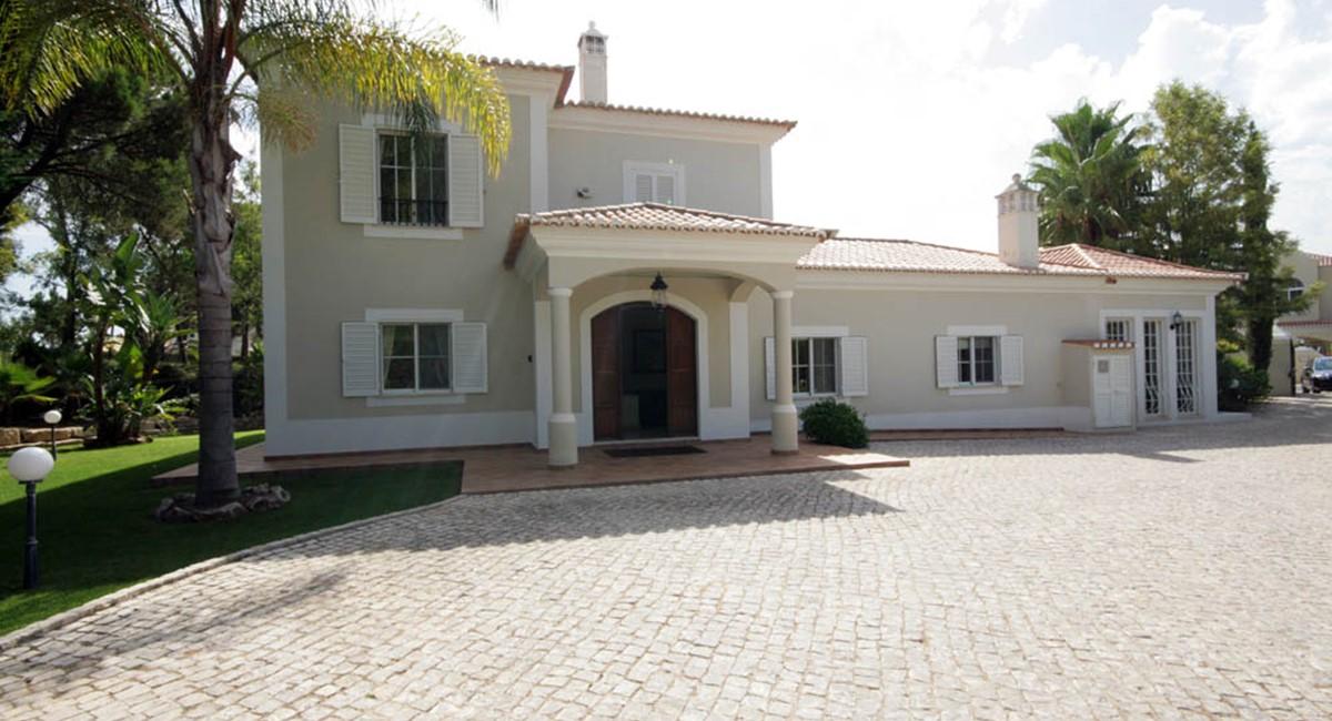vilasol_luxury_villa_front.jpg