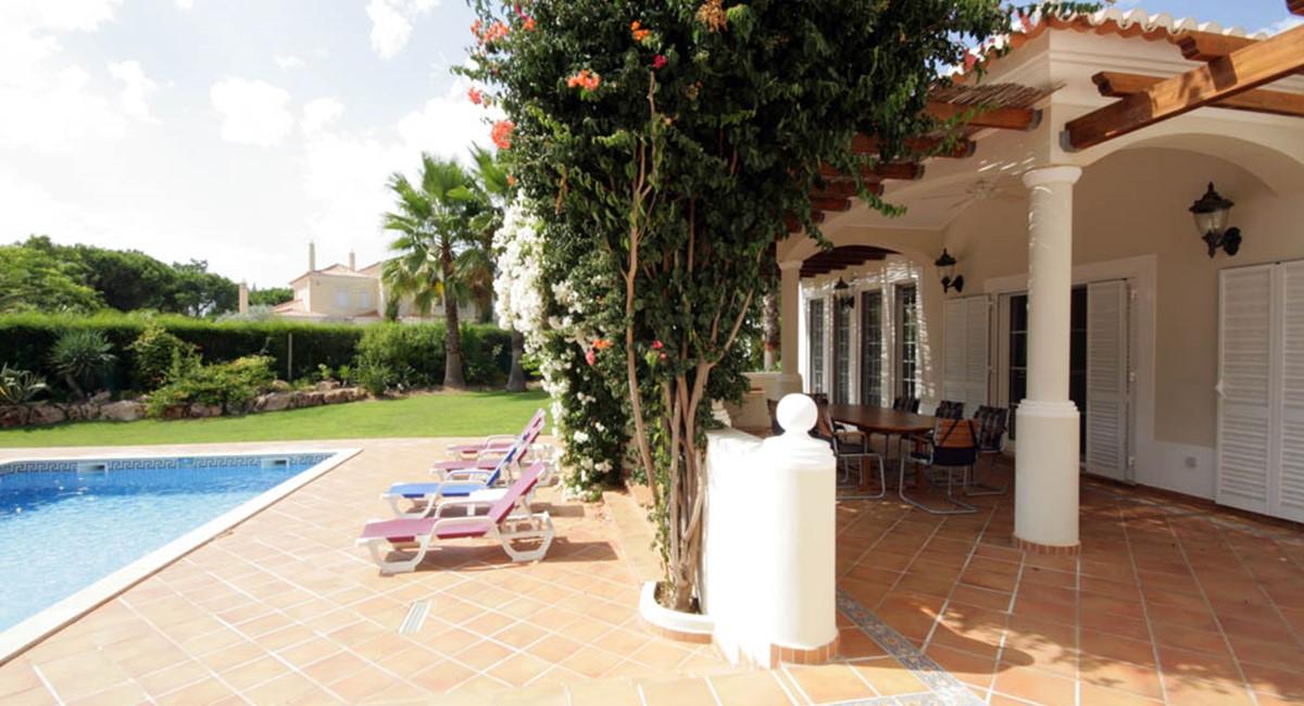 vilasol_luxury_villa_pool_deck.jpg