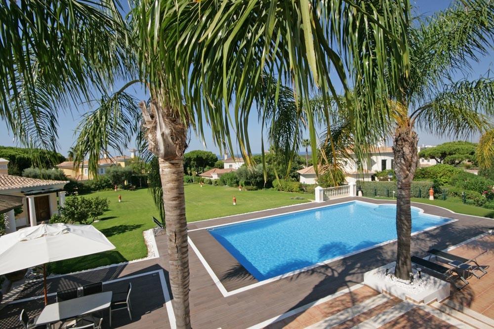 vale_do_lobo_luxury_golf_villa_gardens.jpg