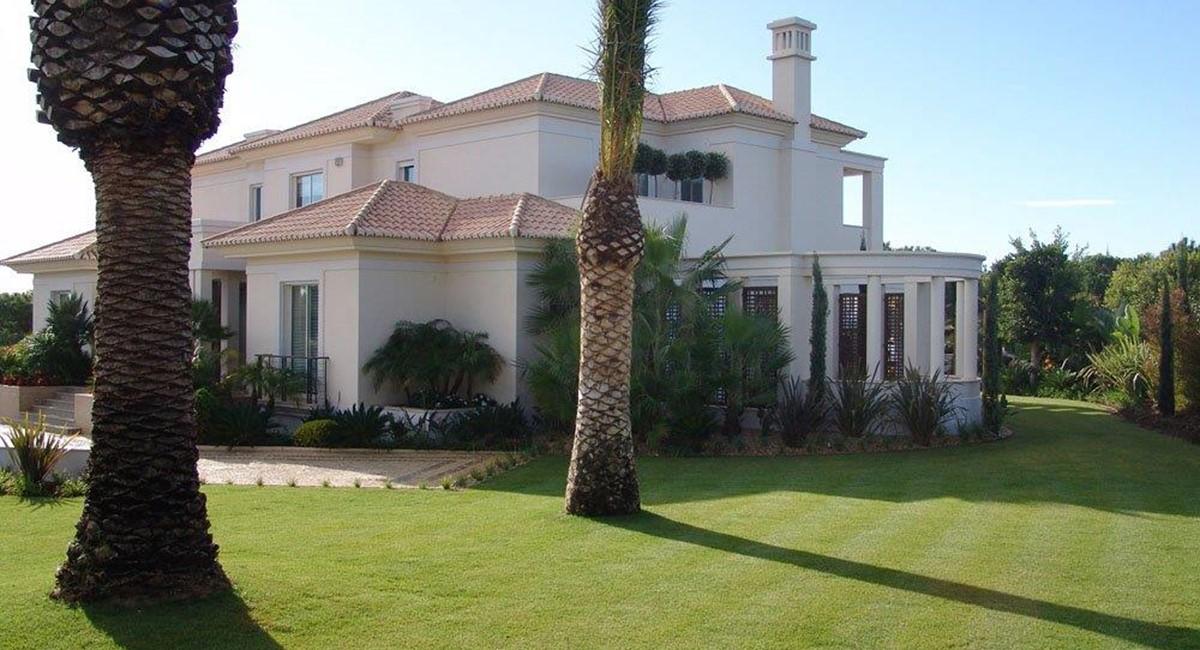 Villa Blue Agate 10