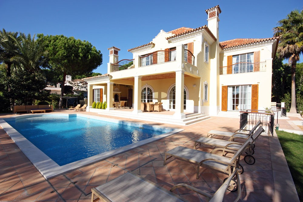 Pinheiros Altos Luxury Holiday Villa