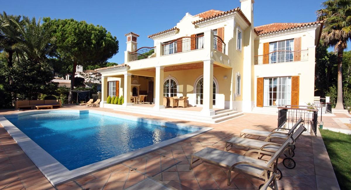 Pinheiros Altos Luxury Holiday Villa