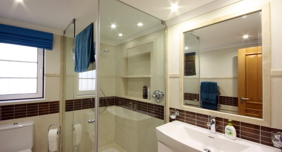 Pinheiros Altos Luxury Holiday Villa Basement Shower