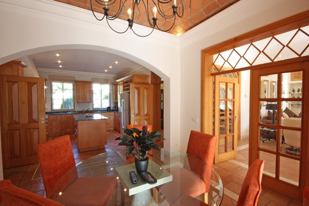 Pinheiros Altos Luxury Holiday Villa Dining Room1