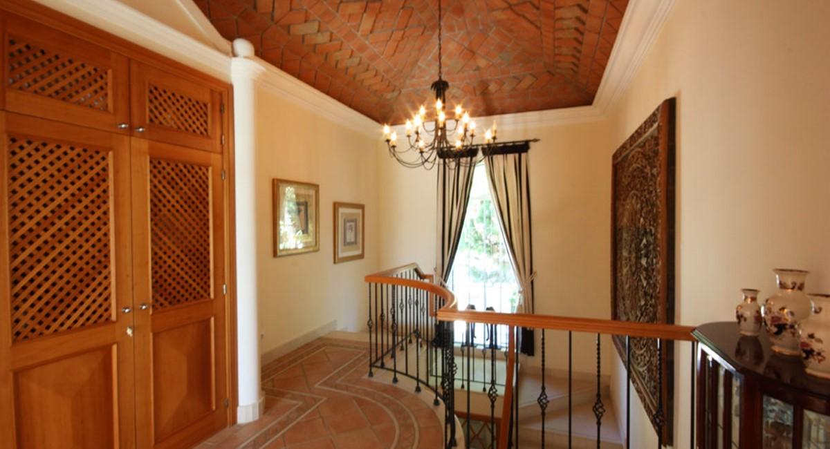 Pinheiros Altos Luxury Holiday Villa Features
