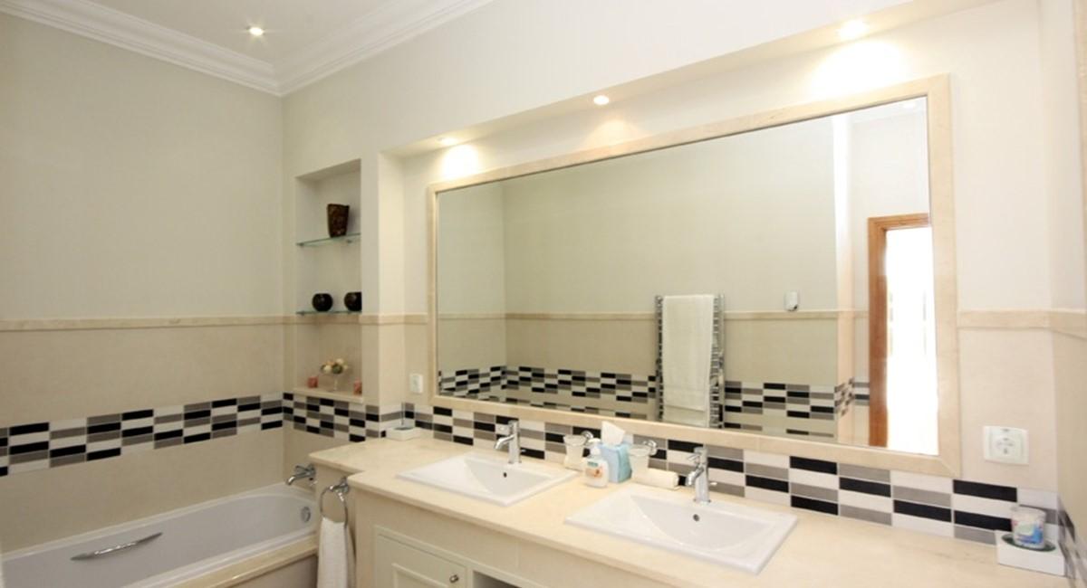 Pinheiros Altos Luxury Holiday Villa Guest Ensuite