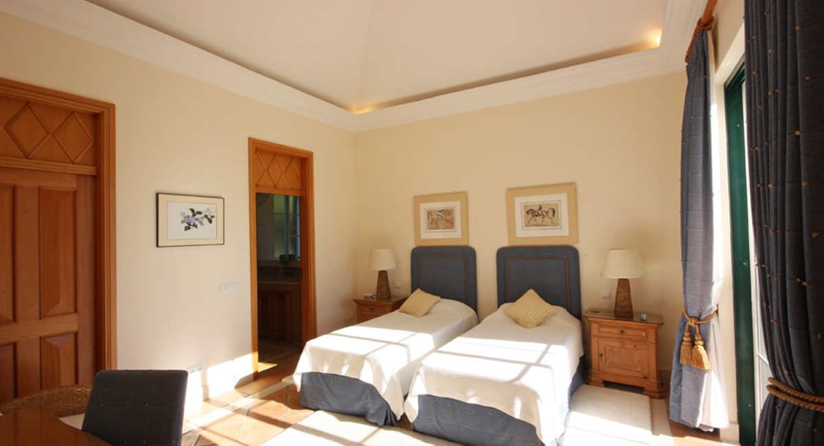 Pinheiros Altos Luxury Holiday Villa Guest Twin