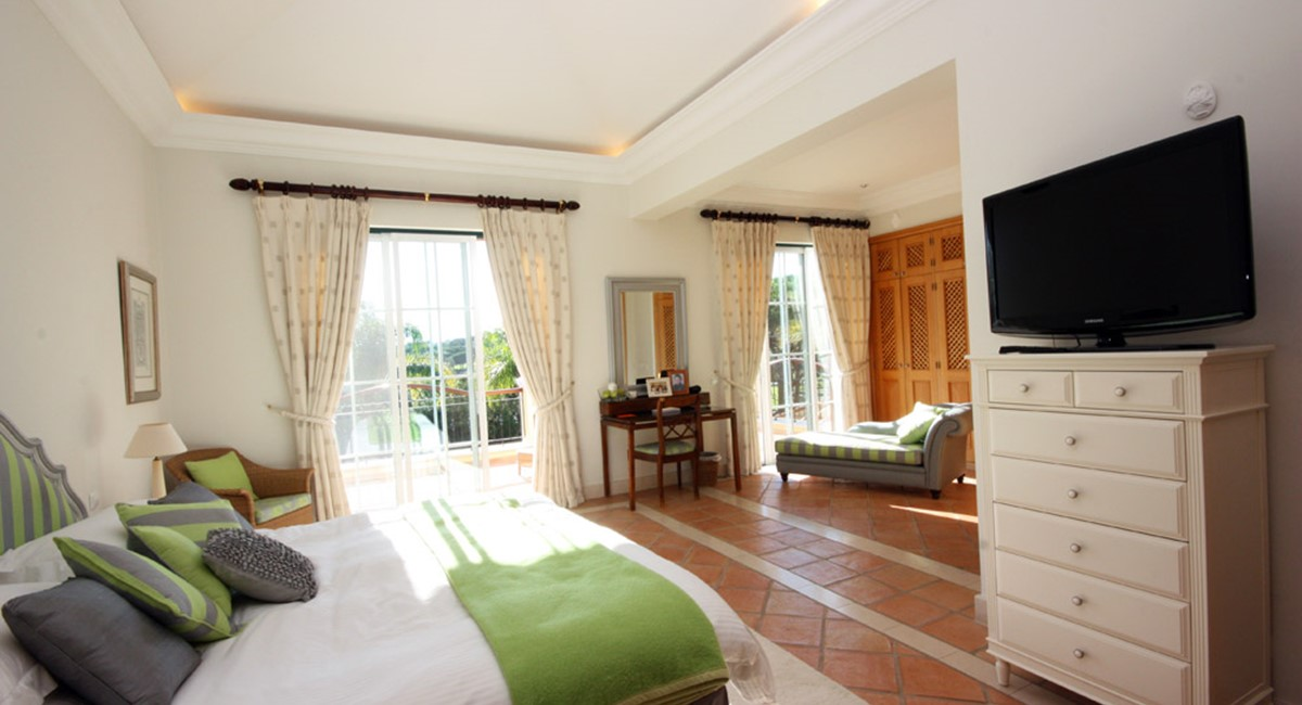 Pinheiros Altos Luxury Holiday Villa Master Bedroom