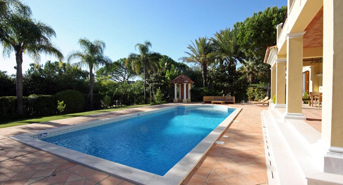 Pinheiros Altos Luxury Holiday Villa Pool