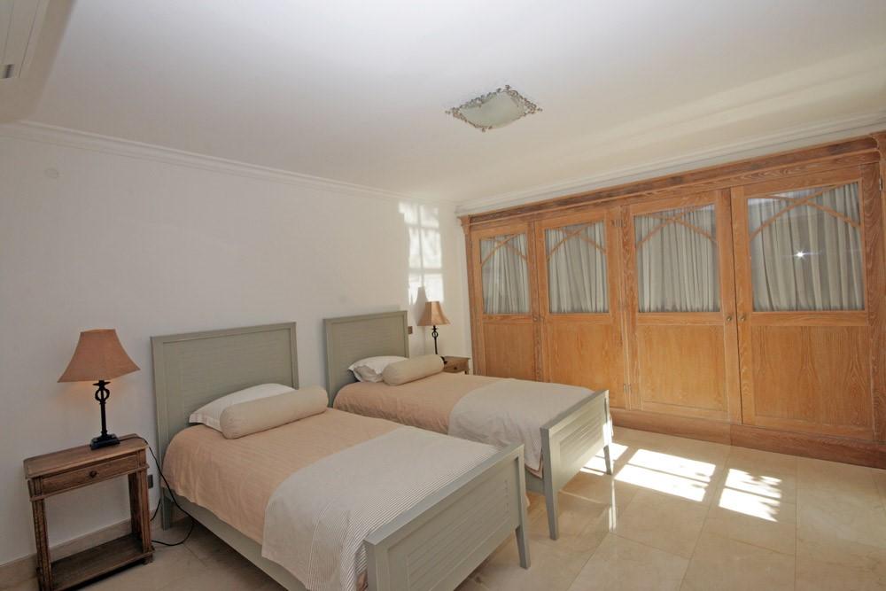 Rua Tira 44 Twin Bedroom