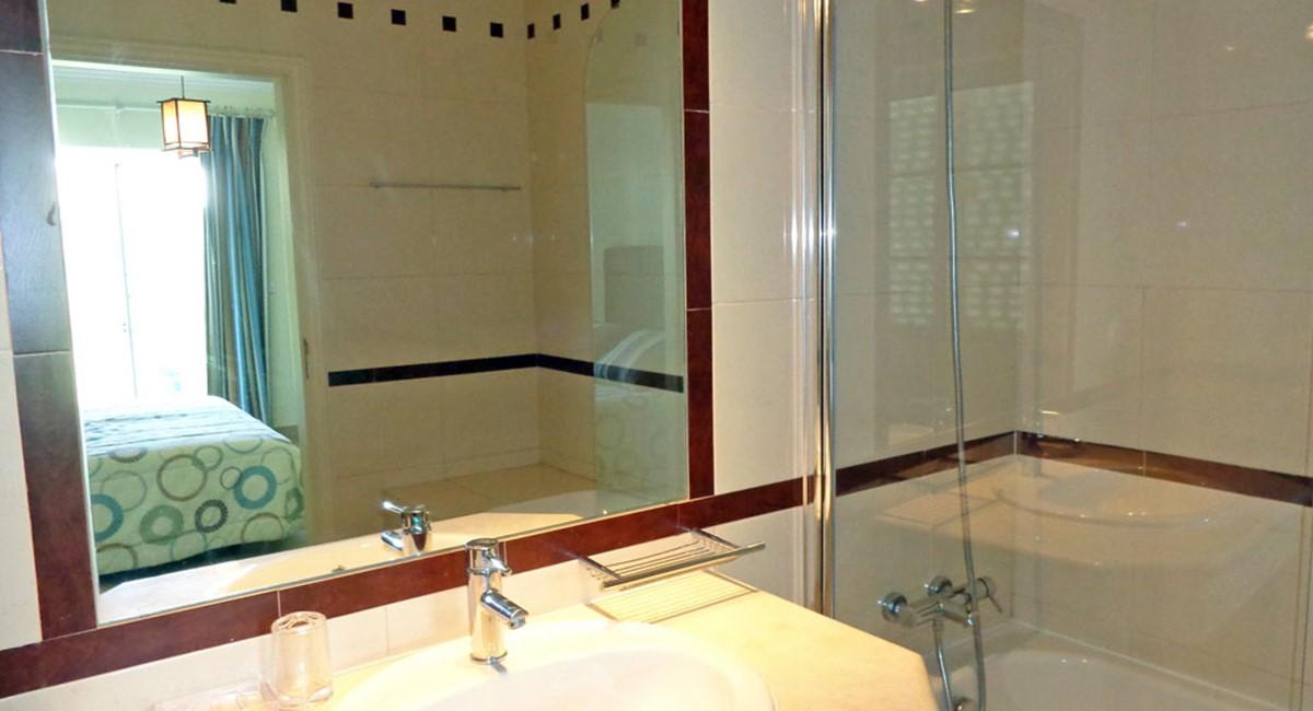 Varandas Das Lago Ensuite Bathroom
