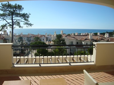 Viewj44luxurythreebedroomupstairsapartmentwithseaview