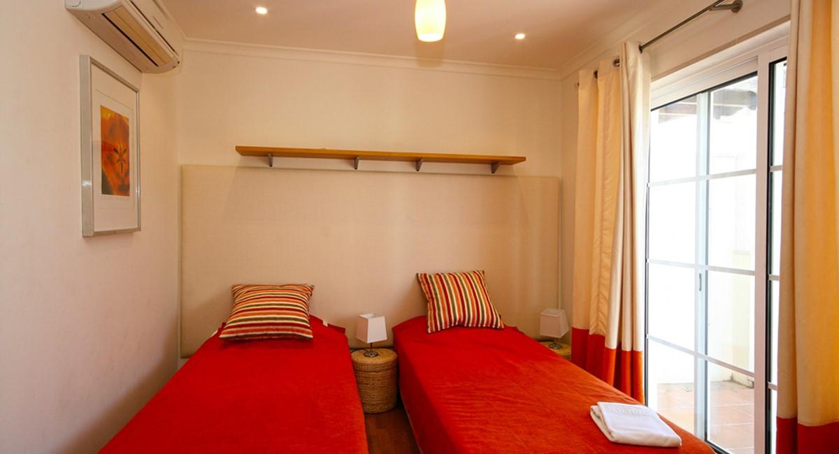 Palmyra Luxury Apartment Twin Bedroom
