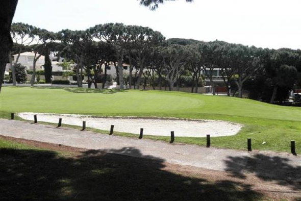 Try a round of golf at Vale do Lobo